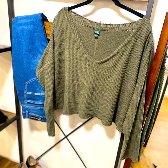 EUC Waffle Knit Cropped Sweater XL
